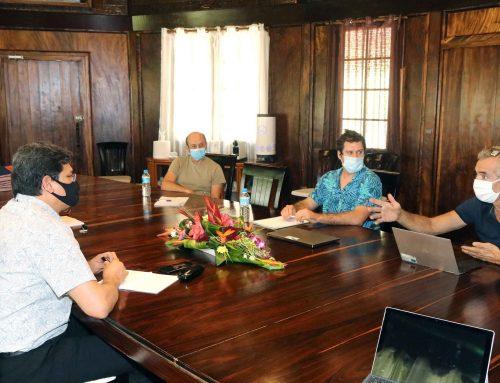 Le ministre des Finances rencontre des chercheurs du laboratoire de Géosciences du Pacifique Sud
